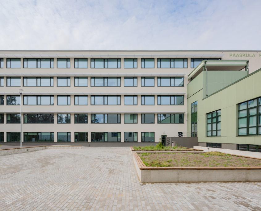 Школа в Пяэскюла и Центр дополнительного образования в Нымме
